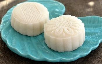 Cách làm bánh trung thu đậu xanh sữa dừa ngọt bùi và thanh mát