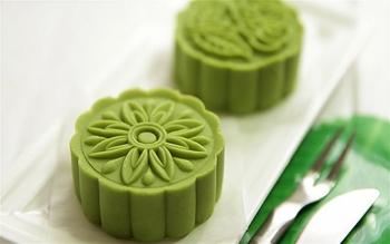 Cách làm bánh trung thu trà xanh đậu đỏ đơn giản mà vẫn thơm ngon khó cưỡng