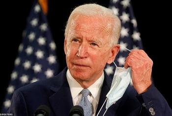 Ông Trump chế giễu đối thủ bầu cử Biden phẫu thuật thẩm mĩ