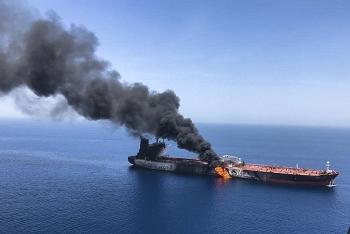 """Iran bất ngờ lập căn cứ hải quân tại """"điểm chết"""" Hormuz"""
