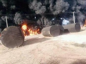 Camera giao thông: Xe bồn chở xăng phát nổ như bom, ít nhất 23 người thiệt mạng