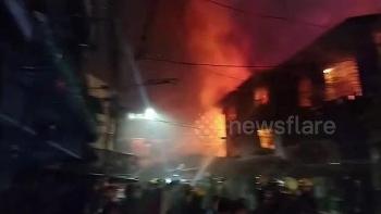 Philippines: Sạc điện thoại phát nổ, 15 ngôi nhà cháy rụi trong đêm