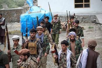 Quân kháng chiến phản công dữ dội, Taliban mất quyền kiểm soát thêm 4 khu vực của Afghanistan
