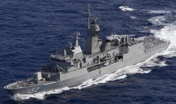 Loạt tàu Australia và Ấn Độ bắt đầu tập trận