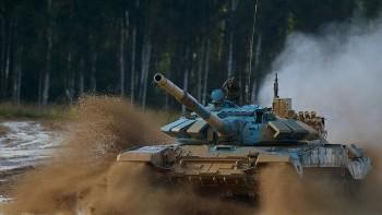 Nga bất ngờ điều hàng loạt xe tăng hiện đại sát biên giới Afghanistan