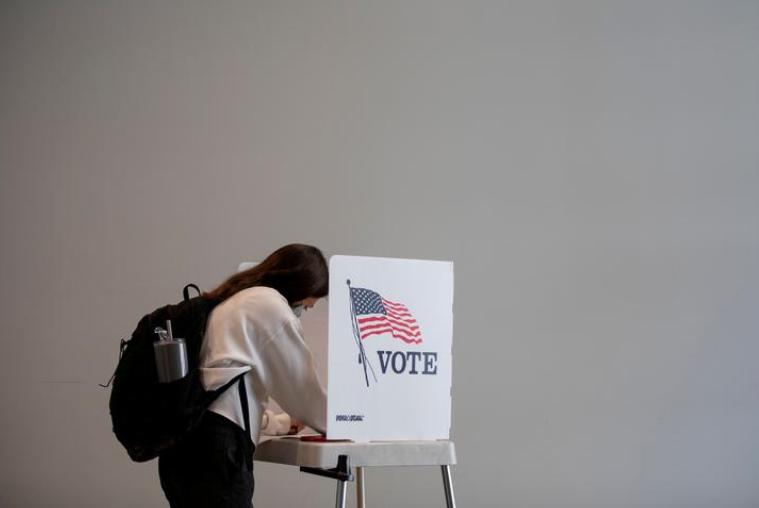 Trên 10 triệu cử tri Mỹ đã bỏ phiếu bầu tổng thống, chưa đầy 3 tuần nữa là đến Ngày Bầu cử