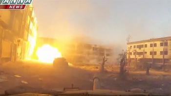 Video: Đội hình tăng T-72 Syria dồn dập tấn công tuyến phòng ngự phiến quân