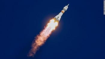 Video: Tách khỏi tên lửa phóng, tàu vũ trụ Nga chở 3 nhà phi hành thẳng tiến tới trạm ISS