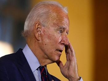 Trong phút ngẫu hứng, ông Biden bất chợt