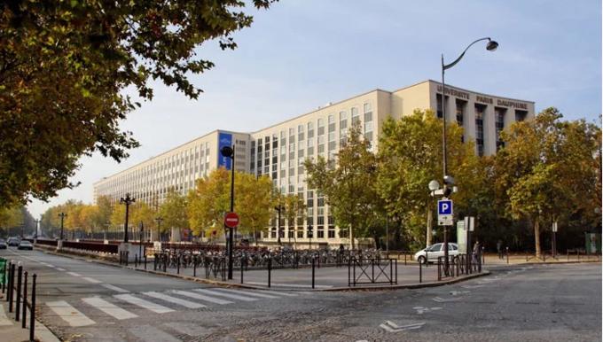 Dịch COVID-19 tiếp tục lan nhanh chóng mặt, Pháp áp đặt lệnh giới nghiêm tại 9 thành phố lớn
