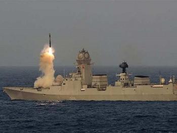 Video: Ấn Độ phóng thành công tên lửa hành trình BrahMos từ tàu khu trục