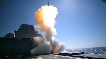 Video: Uy lực kinh hoàng của siêu khu trục hạm Mỹ trong lần đầu phóng thử tên lửa SM-2