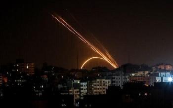 Máy bay chiến đấu Israel tấn công dữ dội các cơ sở của Hamas lúc rạng sáng