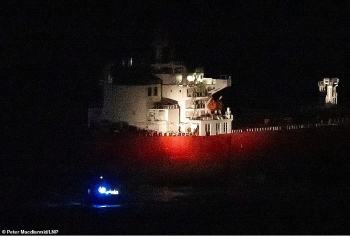 Cận cảnh màn giải cứu tàu chở dầu thần tốc của đặc nhiệm hải quân Anh