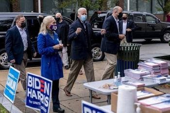 Hai ứng viên bầu cử Trump và Biden khẩu chiến kịch liệt ở bang chiến địa Pennsylvania