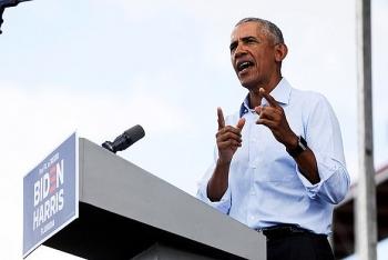 Ông Obama cáo buộc Tổng thống Trump biến Nhà Trắng thành ổ dịch