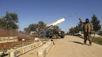 Phiến quân thân Thổ đồng loạt dội bão rocket vào căn cứ quân đội Syria