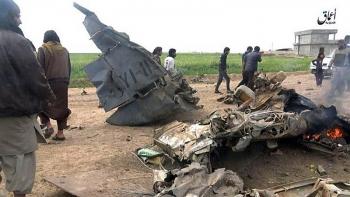 Máy bay quân sự Iraq gặp nạn lao thẳng đầu xuống đất