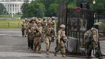 Trump cảnh báo có thể không chấp nhận kết quả nếu thua, nhiều bang khẩn cấp điều Vệ binh quốc gia phòng bạo động