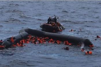 Đắm tàu thảm khốc ngoài khơi Libya, ít nhất 74 người thiệt mạng