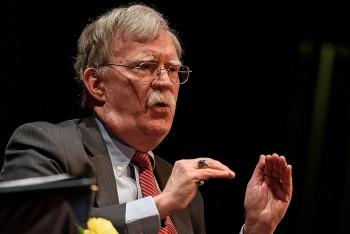 Tổng thống Trump lên tiếng chê bai cựu cố vấn John Bolton