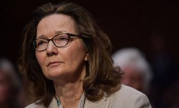 Bị luật sư thân tín của Trump đề nghị sa thải, Giám đốc CIA phản pháo