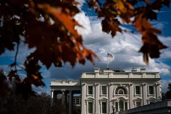 Nhân viên Nhà Trắng bất ngờ khi đọc tin chuyển giao nhiệm kỳ Tổng thống từ báo chí