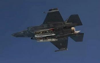 """Mỹ công bố video tiêm kích tàng hình F-35 thử nghiệm ném bom hạt nhân """"kẻ hủy diệt"""""""