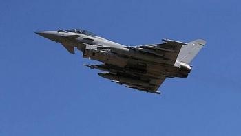 Không quân Anh xuất kích chặn Tu-142 của Nga bay sát không phận