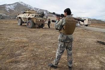Căn cứ lục quân ở Afghanistan bị đánh bom, 30 nhân viên an ninh thiệt mạng