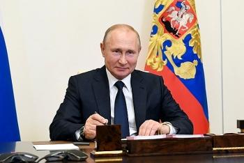 Tổng thống Putin chỉ thị tiêm chủng vaccine phòng COVID-19 hàng loạt vào tuần tới