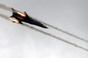 Không quân Nga - Syria tiến hành dồn dập 30 cuộc không kích vào các vị trí khủng bố của IS
