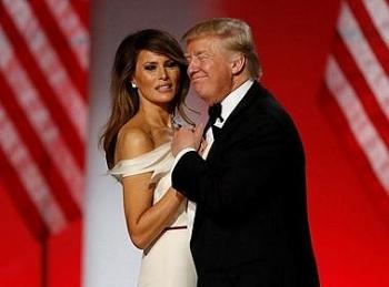 Chồng còn đang mải mê đấu chấp pháp lý để ở lại Nhà Trắng, đệ nhất phu nhân Melania lặng lẽ thu xếp để rời đi