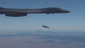 Mỹ thử tên lửa hành trình phóng từ máy bay ném bom B-1B Lancer tại căn cứ không quân Holloman
