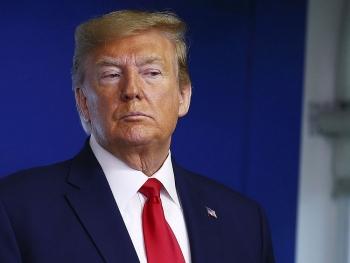 Tổng thống Trump tức tốc ký ban hành đạo luật ngân sách tạm thời ngăn chính phủ đóng cửa
