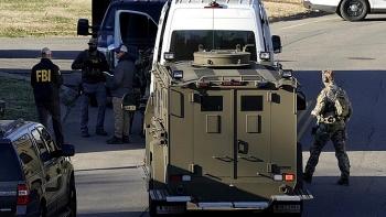 FBI lục soát nhà của nghi phạm đánh bom ngày Giáng sinh ở Mỹ