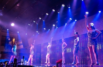 New Sphinx Beer Bar: Nơi thưởng thức những điệu nhảy Latin của vũ công Cuba