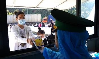 Đại sứ quán Việt Nam tại Lào ra thông báo hướng dẫn Việt kiều đăng kí về nước Tết Nguyên đán