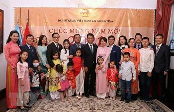 Đậm đà bản sắc dân tộc trong lễ chào đón Xuân Tân Sửu của cộng đồng người Việt tại Argentina và Venezuela