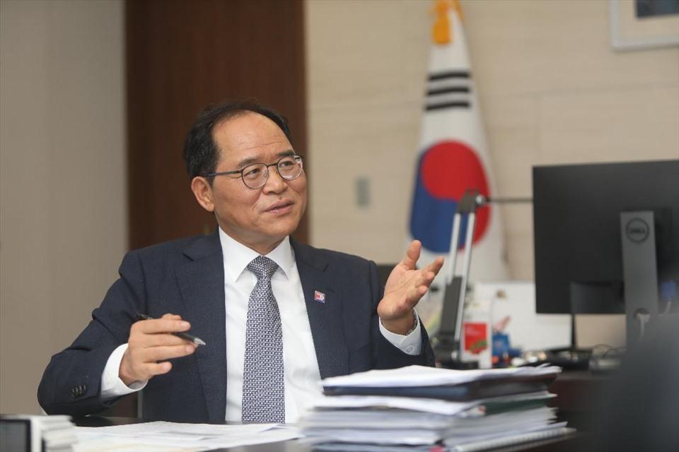 Đại sứ Hàn Quốc Park Noh Wan. Ảnh: ĐSQ Hàn Quốc