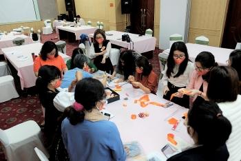 Tập huấn cho hơn 30 nhân viên tham vấn và công tác xã hội trực tiếp hỗ trợ phụ nữ và trẻ em bị bạo lực