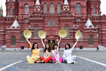 Liên bang Nga cấp 1000 học bổng cho công dân Việt Nam