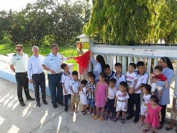 Đại sứ quán Canada tặng 5.000 USD và khánh thành con đường thiện nguyện tại Khánh Hoà