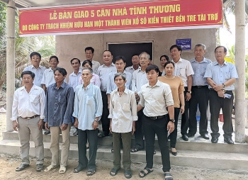 Liên hiệp các tổ chức hữu nghị tỉnh Bến Tre vận động tài trợ xây dựng 5 căn nhà tình thương