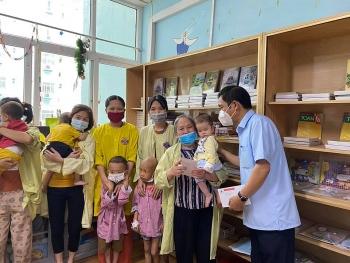 Đại sứ quán Trung Quốc hỗ trợ viện phí cho bệnh nhi khó khăn tại Viện K (Tân Triều)