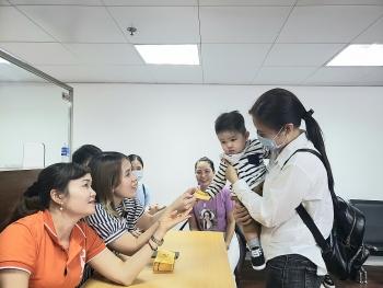Hỗ trợ 50 phần quà cho người Việt tại Macau gặp khó khăn vì COVID-19
