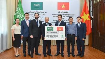 Trung tâm Cứu trợ và Nhân đạo Quốc vương Salman ủng hộ 150.000 USD cho các tỉnh miền Trung