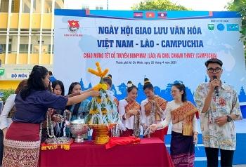 Sinh viên ba nước tham gia Ngày hội giao lưu văn hóa Việt Nam - Lào - Campuchia