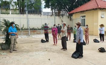 Hỗ trợ cộng đồng người Việt gặp khó khăn tại TP Preah Sihanouk (Campuchia)