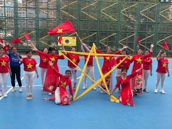 10 đội bóng của cộng đồng người Việt tại Macau (Trung Quốc) tham gia giao lưu nhân ngày thống nhất đất nước